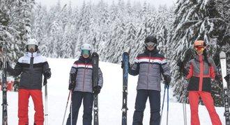 Připravte se na zimu a lyžařské svahy!