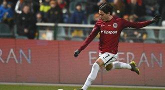 Karlsson při debutu oslnil: Sparta rozhodla jako United za Fergusona