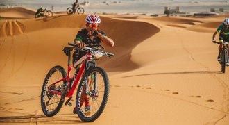 Cyklista Rauchfuss druhý v první etapě závodu v marocké poušti