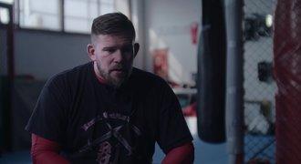 OKTAGON PROJEKT Y - 5. díl: Cíl je jasný. Hlavně neudělat ostudu. Kdo se díky MMA zamiloval?