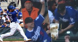 Šílený baseballový fanoušek! Kvůli míčku rozhazoval jídlo všude kolem!