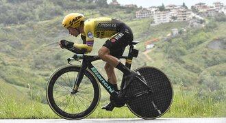 Další časovka, další triumf Rogliče. Giro ale stále vede domácí Conti