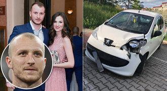 Luxusní automobil fotbalisty Krmenčíka zboural celou ulici! Kdo šoféroval?