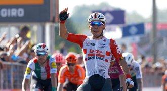 Ewan má druhý triumf na Giru. Ovládl poslední etapu před Alpami