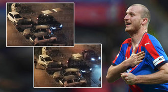 Svědek nehody Krmenčíkova auta: Divadlo na policii. Boural muž, který utekl!