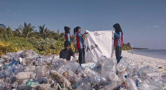 Adidas bojuje proti plastům v oceánu. Zapojit se do jejich výzvy můžete i vy!