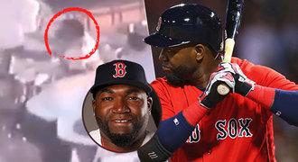 Poprava v baru plném lidí?! Nenechte mě zemřít, prosil slavný baseballista Ortiz!