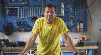 Čech sestrojil historický model kola. Za dva dny ho čeká etapa Tour de France