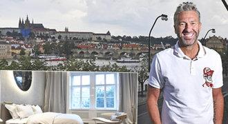Tady bydlím já! Nedvěd ukázal luxusní byt v Praze a úžasný výhled