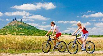 Vyrazte na dovolenou na kole. Tipy na několikadenní výlety do míst, která vás učarují