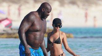 Kráska a zvíře! Legenda NBA dováděla na dovolené s neznámou kráskou