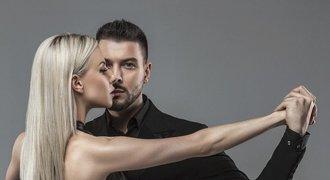Vášnivé tango. Tanečnice nezvládla kroky. Od partnera dostala pěstí!