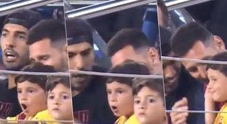 Messi junior se při fandění tátovi rozvášnil. Krotit ho musel strýček Suárez!