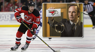 Ironický vzkaz Omsku pro Zachu: Díky, legendo! A KHL vtipně popíchla NHL