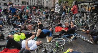 Rakve, smrt naoko. Britové chtějí větší bezpečnost pro cyklisty a chodce