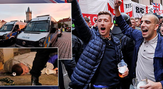 Rowdies v Praze! Angličtí fanoušci řádili v centru, zasahovala policie