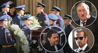 Sbohem, Mistře! Kdo ze sportovců dorazil do katedrály dát sbohem Gottovi?