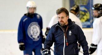 Trenér hokejových hvězd Pacina: Svět bojuje v tretrách, my v bagančatech