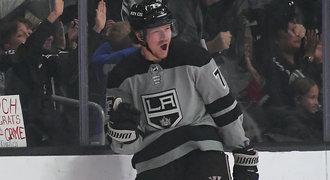 Přestupy NHL ONLINE: Další velké jméno mizí z trhu, vítězí Canucks
