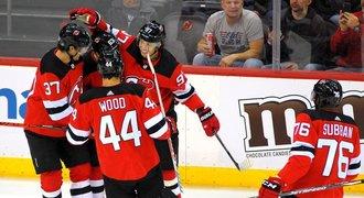 Přestupy NHL ONLINE: Čech končí v Tampě, New Jersey má konečně nového trenéra