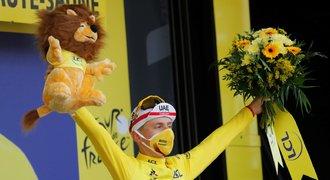 Pogačar dovezl žlutý trikot do Paříže. Na Champs-Élysées zářil Bennett