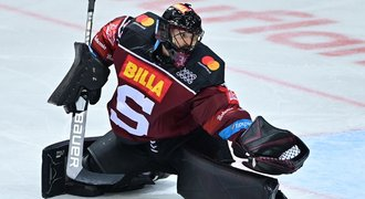 Přestupy v extralize ONLINE: Machovský odchází ze Sparty do KHL