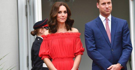 Vévodkyně Kate v červených šatech Alexander McQueen. Kde seženete podobné?