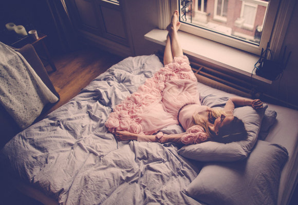5 tipů co dělat, když vám myšlenky nedovolují usnout