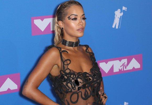 MTV Video Music Awards ovládla nahota! Které ženy ukázaly příliš?