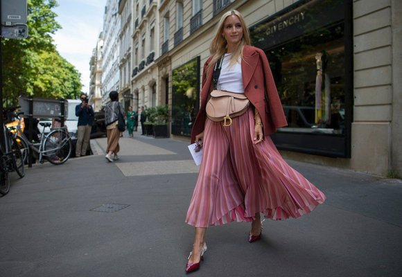 15 úžasných midi sukní z nových kolekcí, které unosíte i na podzim