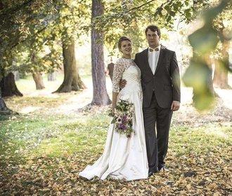 Příběh svatebních šatů: Od nákresu až před oltář!