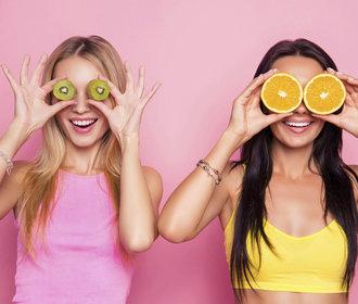 Osvěžující ovocná kosmetika: Ananasová maska i třešňový balzám na rty!