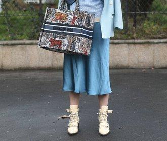 15 nejhezčích saténových sukní z aktuálních kolekcí. S čím je nosit?