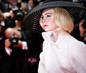 Největší módní hvězda Cannes: 21letá porotkyně, která se nebojí kýče!
