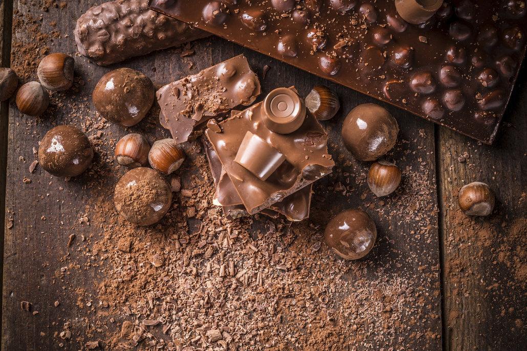 Otevřenou čokoládu pečlivě zabalte a uchovávejte ve skříňce