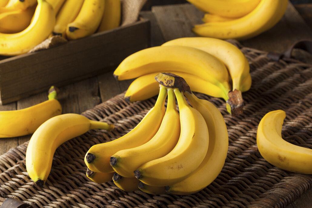 Banány skladujte na míse v kuchyni