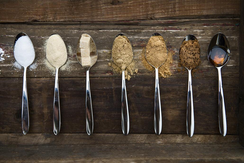 Bílý cukr nahraďte třtinovým nebo sáhněte po sirupech