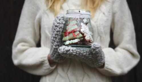 Jedlé dárky k Vánocům: Pečený čaj, nakládaný hermelín, vaječný likér i perníčky