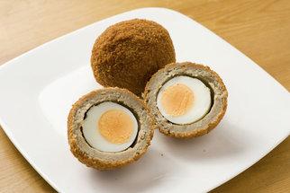 Skotská vejce i ďábelská: Osm receptů z natvrdo vařených vajec