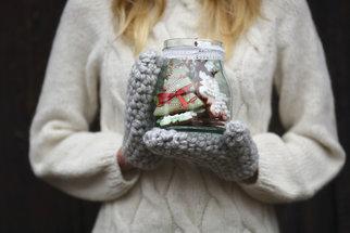 Odeberte ze svých perníčků do sklenice, převažte stuhou a jedlý dárek za pár korun je na světě