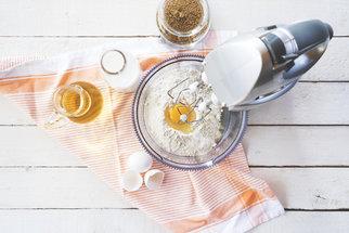 Jak nahradit vejce, smetanu, kypřicí prášek a další chybějící ingredience při pečení