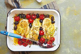Rychlé a dietní večeře z kuřecího masa: 10 receptů, které vykouzlíte během půl hodiny