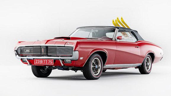 Nechcete zajímavé auto z bondovky? Do aukce míří Mercury z filmu Ve službách Jejího Veličenstva