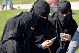 Sto francouzských osobností v Le Figaro: Politický islamismus ohrožuje svobodu, vzniká apartheid naruby