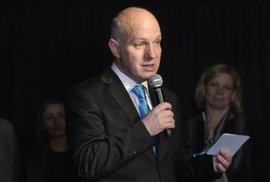 Jmenoval by prezidentský kandidát Fischer soudcem Žida?