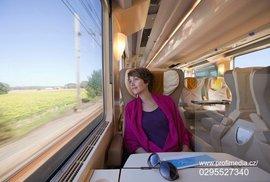 České dráhy zavedly kupé vyhrazené pouze pro ženy. Není to diskriminace? Byla by romská kupé také v pořádku?