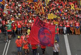 Španělsko půjde k volbám: nahoru letí odpůrci migrantů, feministek a fanoušci býčích zápasů