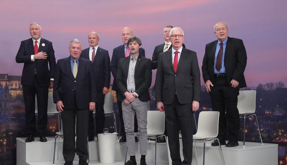 Superdebata Blesku: Prezidentští kandidáti zpívají českou hymnu