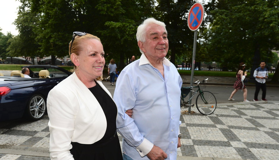 Krampolová na společné oslavě narozenin s manželem: Dárek jsem si koupila sama!