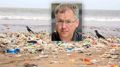 """EU chce zakázat uchošťoury, ekolog souhlasí: """"Plasty jsou v pivu i medu!"""""""